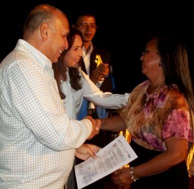 1. El presidente y director estadal de Corposalud,El doctor Elesban Gómez entregó los reconocimientos junto a los licenciados María Carolina Figueroa (Gestión Humana), Claudia Fani, (Coordinación de Enfermería), y Joel Graterol (Colegio de Profesionales de Enfermería)